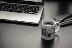 Laptop-coffee-cup-agenda_HD